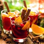 C) Drinks especiais para harmonizar com a comida